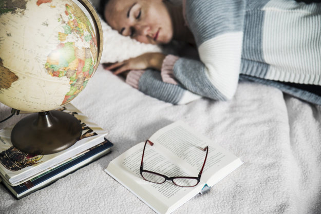 Як правильно дрімати, щоб підвищити продуктивність